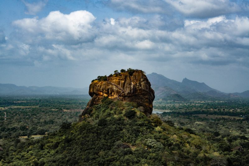 reasons to visit sri lanka views